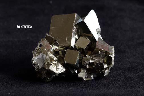 o-pyrite-clusterAAAAA244