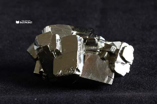 o-pyrite-clusterAAAAA157